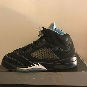 Retro Jordan Carolina blue 5